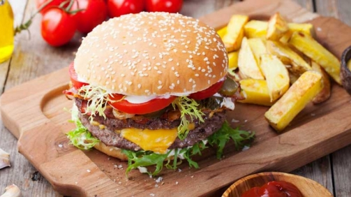 پلفرد سرمایه گذاری در صنعت غذا و نوشیدنی انگلستان